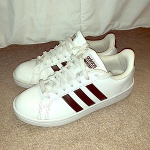 Women's Adidas shoes US 7